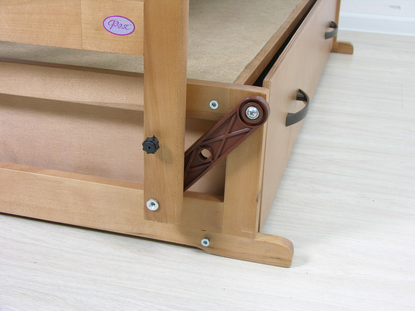 Маятник для детской кроватки